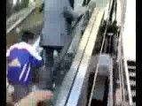 بالا رفتن از پله برقی