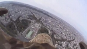ضبط ویدئوی هیجان انگیز از فراز شهر پاریس توسط یک عقاب