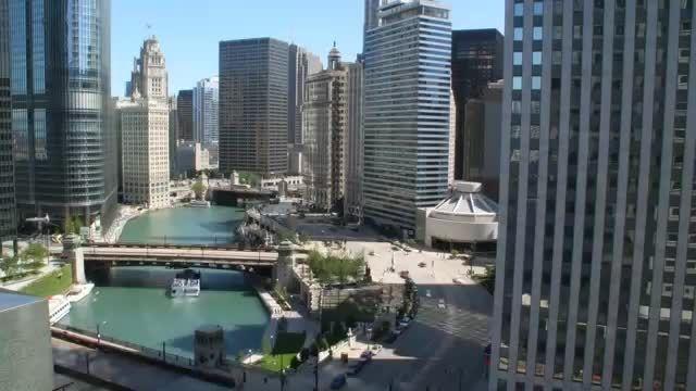 درباره شهر شیکاگو ، بخش دوم : رودخانه شیکاگو
