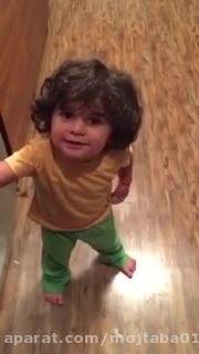وقتی یه دختر کوچولو بستنی میخواد