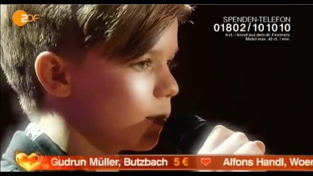 اجراى بسیار زیباى رونان پارک پسر نوجوان خواننده...