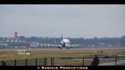 نهنگ سفید ، هواپیمایی که هواپیما حمل می کند !