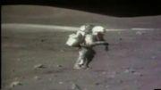 زمین خوردن یک فضانورد روی سطح ماه