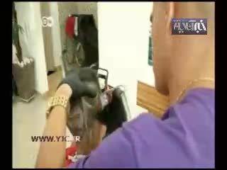 آرایشگری که تصاویر فوتبالیستها را روی سر می تراشد!!!!!!