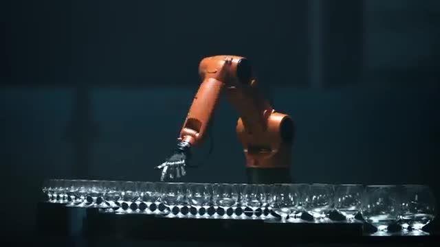 کل کل Timo Boll (رقیب نوشاد عالمیان) و ربات KUKA