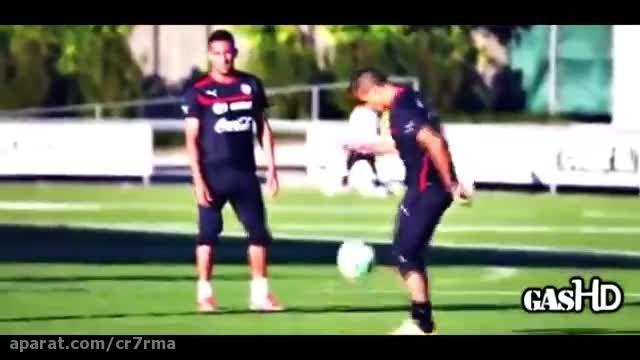 حرکات دیدنی فوتبال از ستارگان جهان