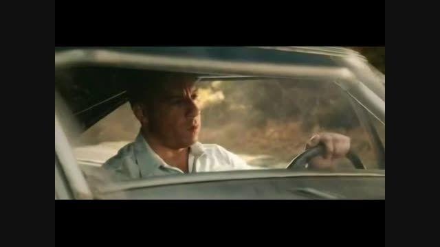 یادبود پل واکر بازیگر فیلمهای سریع و خشن در سریع و خشن7