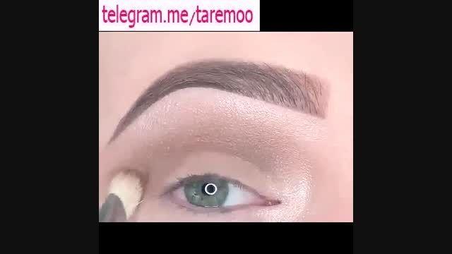 میکاپ چشم با خط چشم و سایه نقره ای در تارمو
