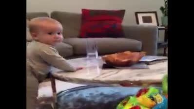 مگه مرض داری بچه رو اذیت میکنی اخه؟!