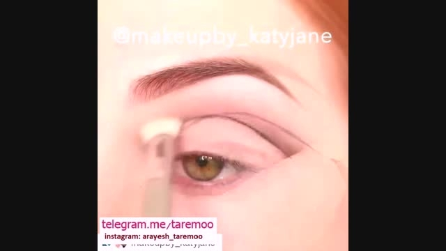 خودآرایی چشم با سایه کرم و خط چشم مشکی زیبا در تارمو