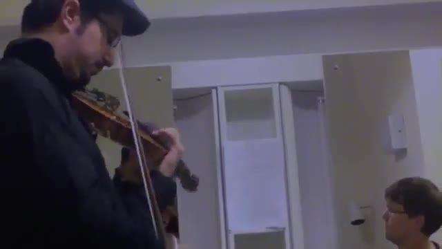 ویولن پدرام شهلایی در حال تمرین