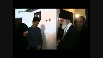 حضور امام خامنه ای در منزل شهیدان دوراندیش
