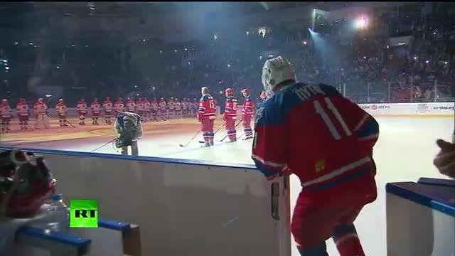 پوتین تولد 63 سالگی خود را روی یخ هاکی جشن گرفت
