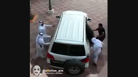 سوار شدن 20نفر عرب در ماشین(هر کی ندیده ببینه)