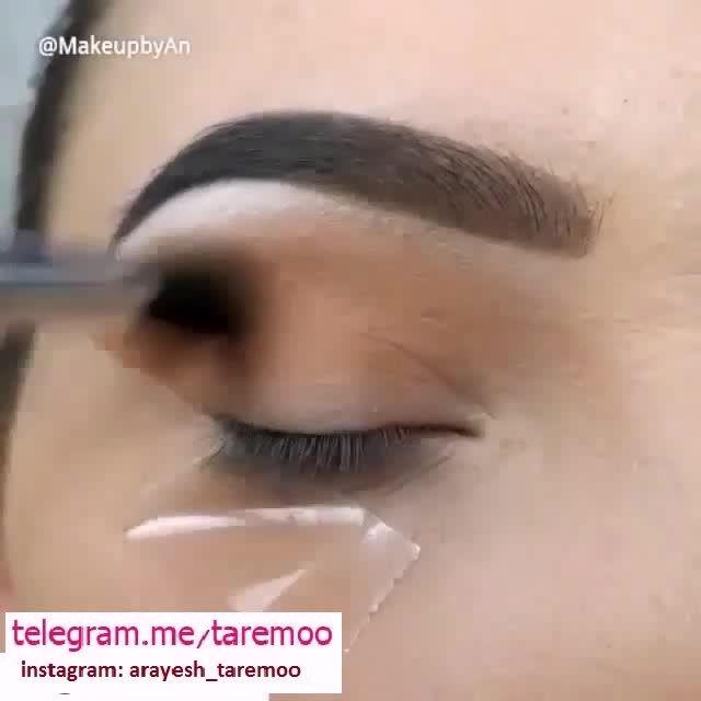 آرایش چشم با سایه قهوه ای و خط چشم مشکی زیبا در تارمو