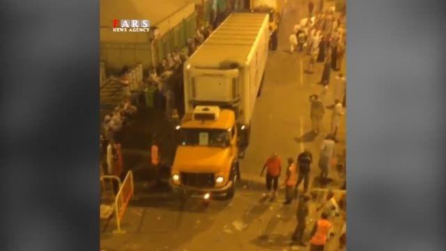 حمل جنازه حجاج منا با کامیون توسط مسئولان سعودی