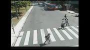 تصادف شدید با دوچرخه(ببینید عبرت بگیرید)