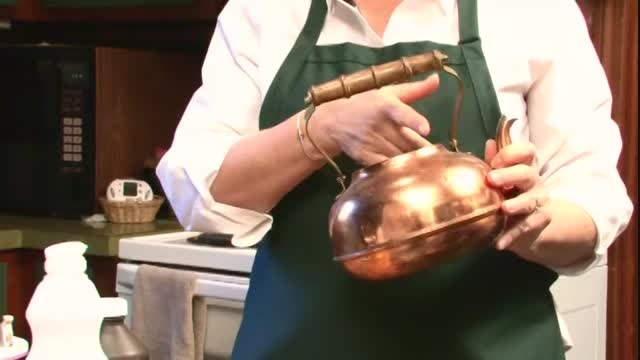 چگونه کتری چای را تمیز کنیم