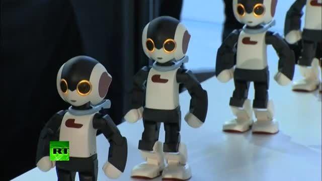 رقص هماهنگ 100 ربات کوچک در توکیو ژاپن