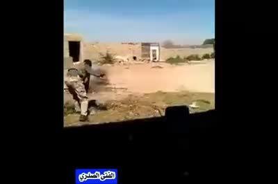 اسارت تک تیرانداز داعش بدست نیروهای مردمی