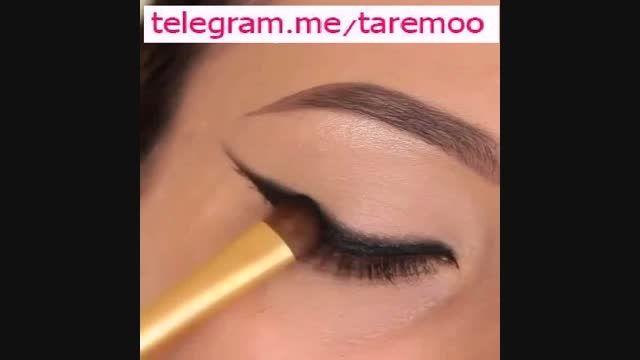 آرایش زیبا چشم با خط چشم مشکی و سفید در تارمو