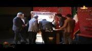 امضای یادبود علی دایی در جشن پرسپولیس روی تابلوی مرتضی نداف