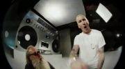 Eminem . . . . .  Berzerk
