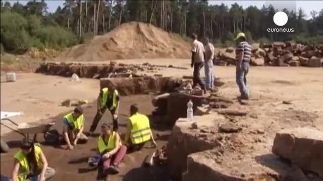 کشف ردپای دایناسور 30 تنی در آلمان