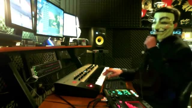 """Anonymous Electronica - """"You Make Me Wonder...LIVE"""