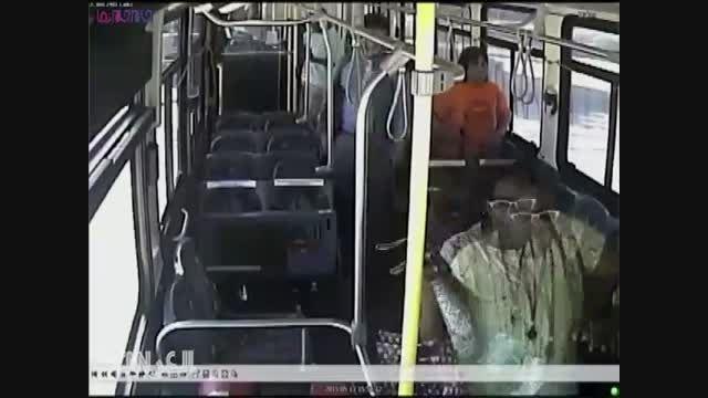 نجات معجزه آسای مسافران اتوبوس-تصادف با قطار+کلیپ فیلم