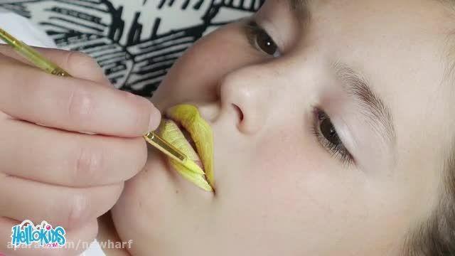 نقاشی زنبور عسل روی لب