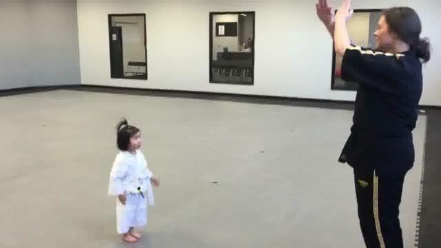 دختر بچه سه ساله - بامزه ترین و کوچولوترین تکواندوکار