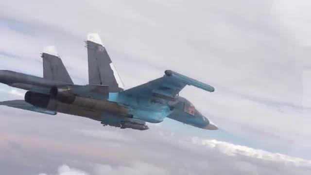 حمله جنگنده های سوخو 34 به مواضع داعش در رقه و حلب