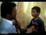 پسری كه پدر خود را می زند !!!!!! خنده دار