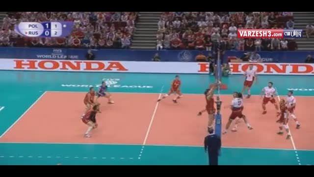 جذاب ترین صحنه بازی تیم های ملی والیبال روسیه و لهستان