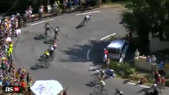 حادثه عجیب در مسابقات دوچرخه سواری