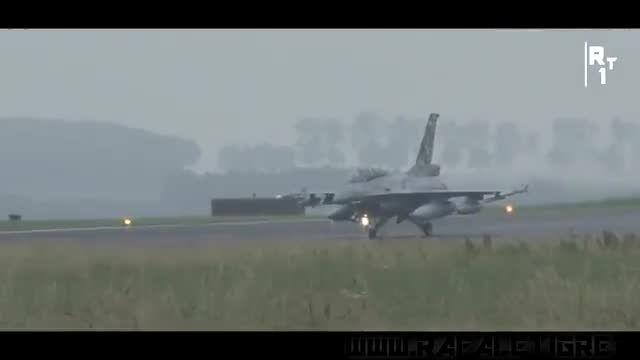 تیک آف هواپیمای جنگنده f16 و Gripen
