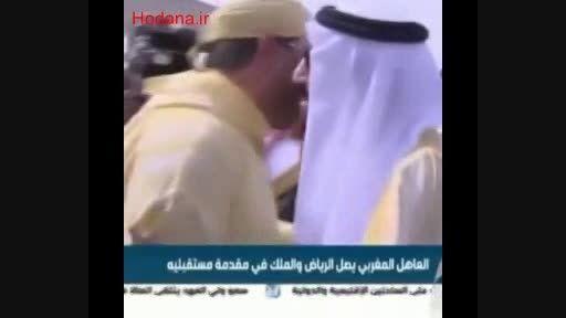 سیلی خوردن خبرنگار در ملاقات دو پادشاه