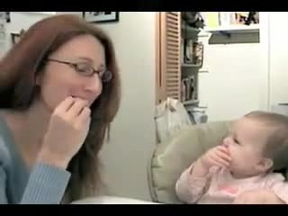 baby like to learn American sign language very well