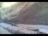 تصاویر وحشتناک از زلزله و رانش افغانستان با یکصد کشته و مفقود