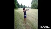 دخترا رو کی گفت اسلحه دست بگیرن!