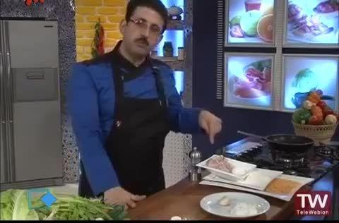 شنیتسل مرغ با سس قارچ