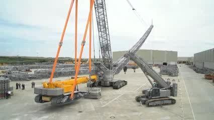Liebherr.LR 1600/2 crawler crane using the LTR 1220
