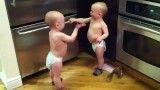 مکالمه ی جالب دو تا پسر کوچولو