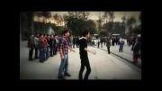 فیلم: همخوانی هنرمندانه سرود مرگ بر امریکا از حامد زمانی