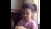 بارانا دختر بنیامین بهادری در حال کتلت درست کردن