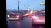 تصادف شدید کامیون با چند خودروی سواری