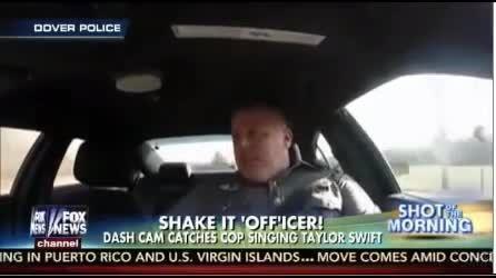 پلیس دیوانه . آهنگ . رقص پلیس توی ماشین .