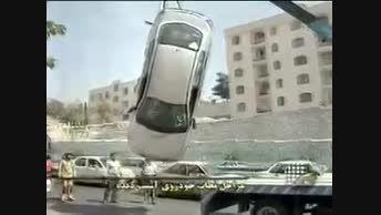 مراحل نجات یک خودروی تصادفی در مرز پر گهر !! :))