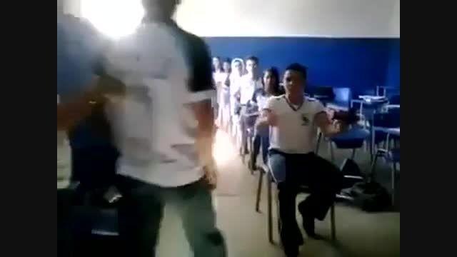سرگرمی منو دوستام تو مدرسه!!